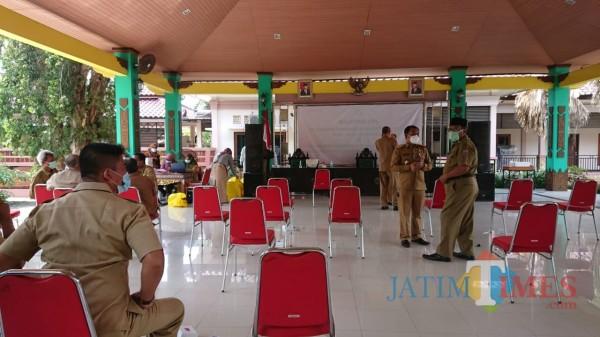 Sejumlah pimpinan OPD saat menunggu giliran untuk di-swab (foto: istimewa)