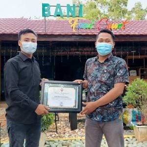 Masif Terapkan Prokes, Bani Food Court Dapat Reward dari Jurnalis Center Pamekasan