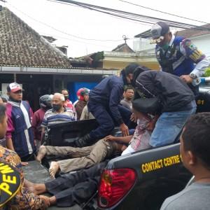 Niatnya Membetulkan Atap Bocor, Seorang Warga Tersengat Kabel 20 Ribu Watt di Kota Batu