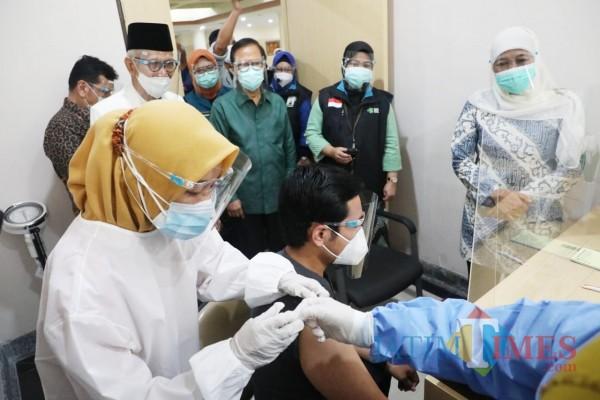 Vaksinasi di Jatim mulai 14 Januari, Prioritas Surabaya Raya
