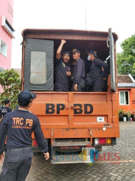 Keberangkatan Para Personil BPBD (Foto: Bramastyo Dhieka Anugerah/JatimTIMES)