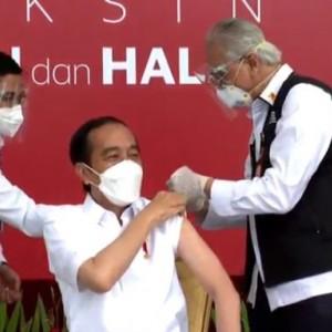 Disuntik Vaksin Covid-19, Presiden Jokowi Akui Batuk Kecil