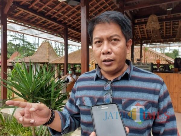 Plt Kepala Bapenda Kabupaten Malang, Made Arya Wedanthara saat menjelaskan potensi pajak daerah (Foto : Dokumen MalangTIMES)