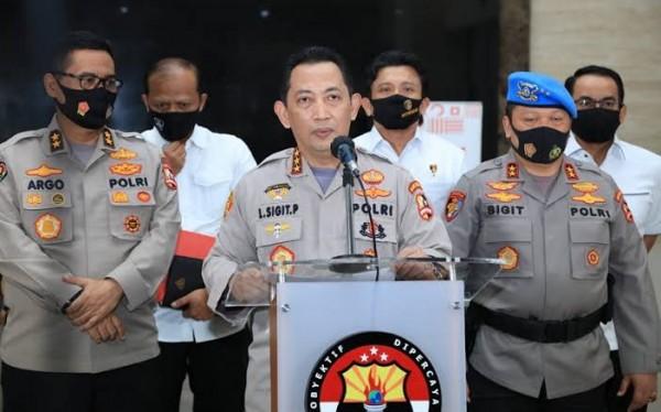 Kabareskrim Polri Komjen Pol Listyo Sigit Prabowo (tengah) saat mmeberikan keterangan pers. (Foto: inews.id)