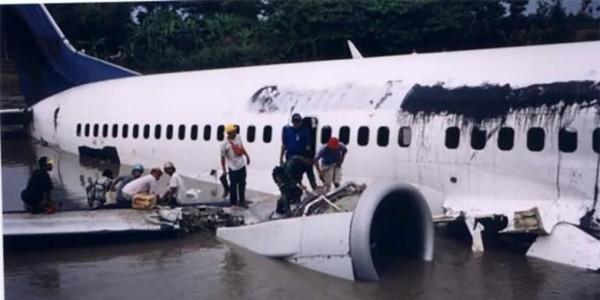 19 Tahun Garuda GA421 Mendarat Darurat di Bengawan Solo, Pramugari Tewas Lompat ke Sungai