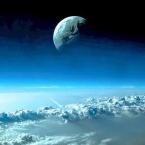 Benarkah Pesawat Terbang Bisa Menembus Pintu Langit? Begini Penjelasan Al-Qur'an