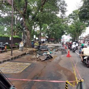 Pipa Jebol Ganggu Lalu Lintas, Pemkot Malang Minta Perbaikan Segera Dituntaskan