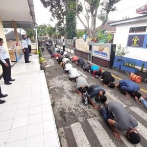 Lapas Lowokwaru Lepas 37 Warga Binaan untuk Jalani Asimilasi di Rumah