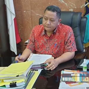 Pemkot Surabaya Berencana Fasilitasi Siswa Sekolah dengan Tab