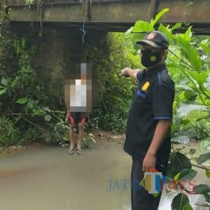 Akhiri Hidup di Bawah Jembatan, Pria Asal Desa Gambiran Ditemukan dalam Posisi Ini