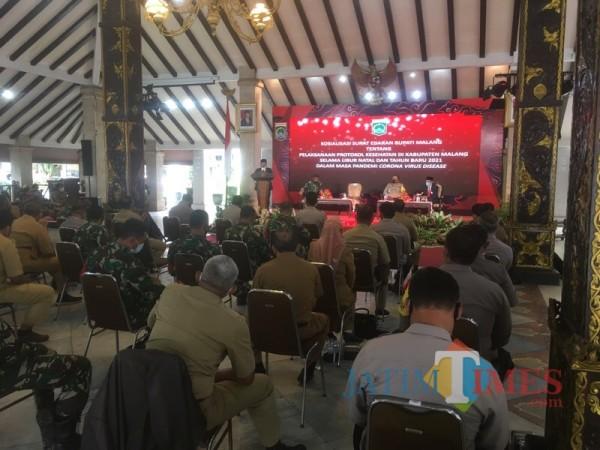Suasana rakor sosialisasi PPKM jilid pertama yang dilangsungkan di Pringgitan Pendapa Agung Kabupaten Malang beberapa waktu lalu (Foto : Dokumen MalangTIMES)