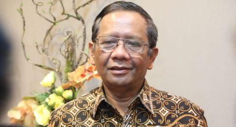 Mahfud MD Buka Suara Terkait Siswi Non-Muslim yang Diwajibkan Berjilbab