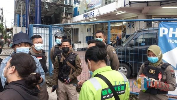Bonek Galang Donasi Kemanusiaan Dihadang Satpol PP Kota Surabaya