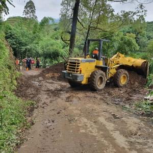 Siap Siagakan Dua Alat Berat dan Dump Truk untuk Kejadian Longsor di Kota Batu