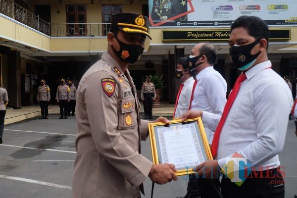 Kapolres Lumajang Beri Peluang Anggota Untuk Masuk Pada Tugas-tugas Represif