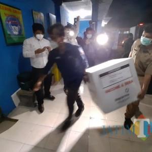 Dikawal Ketat, 3.680 Vaksin Sinovac Tiba di Kota Kediri