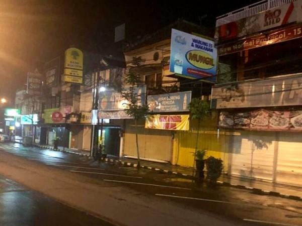 Suasana saat malam hari pada pelaksanaan PPKM di Kota Batu. (Foto: istimewa)