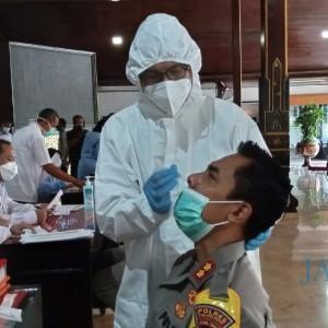 Persiapan Vaksinasi Covid-19, Forkopimda dan Tokoh Masyarakat Jalani Pemeriksaan Kesehatan