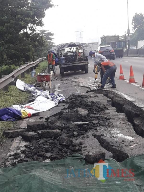 Ruas Tol Surabaya-Gempol Longsor Kapasitas Transaksi Dikurangi