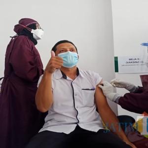 Tahap Awal, Puskesmas Peterongan Lakukan Vaksinasi Covid-19 Terhadap 49 Tenaga Kesehatannya