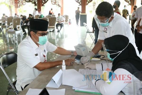 Gara-Gara ini, 2 Pejabat Pamekasan Gagal Lakukan Vaksin Covid-19 Tahap Perdana