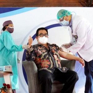 Hari Pertama Vaksin Covid-19 di Kota Batu, 125 Nakes dan 9 Forkopimda Disuntik