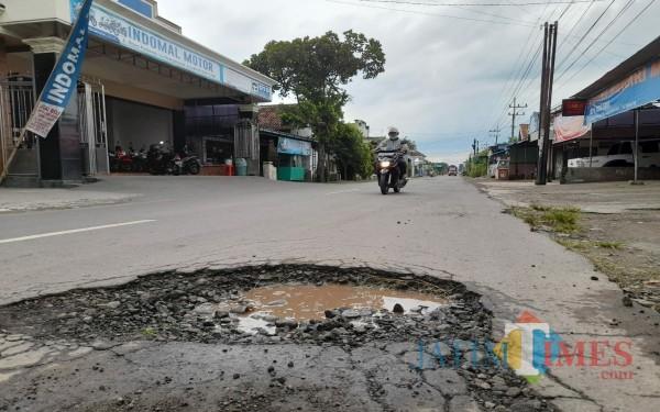 Salah satu lubang cukup dalam di Desa Podorejo Kecamatan Sumbergempol / Foto : Anang Basso / Tulungagung TIMES
