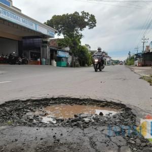 Banyak Jalan Berlubang, Warga Minta Pemkab Tulungagung Segera Turun Tangan