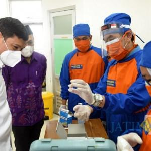 1.050 Nakes Vaksin Covid-19, Wali Kota Kediri Pastikan Vaksinasi Covid-19 Berjalan Lancar