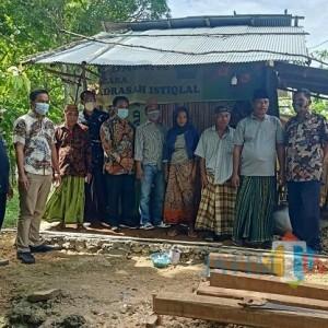 Tak Layak Huni, Sejumlah Pihak di Pamekasan Bedah Rumah Pak Nito