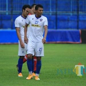 Pemain Arema FC, Dedik Setiawan Pesepakbola Pertama yang Divaksin di Kabupaten Malang