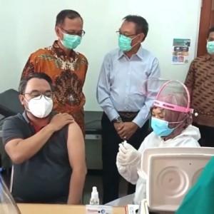 35 Nakes Klinik UMMI dan FKIK UIN Maliki Malang Jalani Vaksinasi