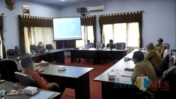 Suasana rapat kerja Komisi I DPRD Trenggalek dengan Inspektorat Kabupaten Trenggalek