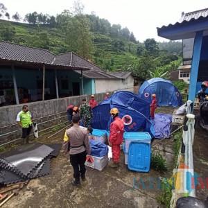Alarm EWS Berbunyi 17 Kali Tanda Tanah Longsor, Tenda Relokasi Mulai Dipasang di Kota Batu