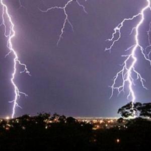 BMKG Sebut Dentuman Misterius Akibat Adanya Thunderstrom