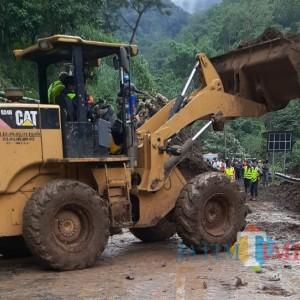 Pujon Longsor Lagi, Akses Jalan Ditutup, Penanganan Baru Bisa Dilakukan Besok Hari
