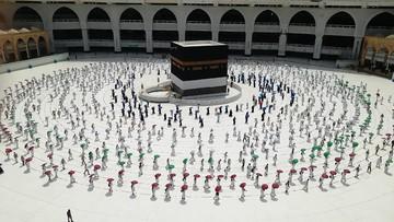 Potret ibadah haji dan umrah saat pandemi Covid-19. (Foto: AP Photo).