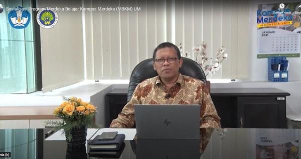 Staff Ahli Wakil Rektor I Universitas Negeri Malang (UM) Prof Dr Suyono MPd, saat melakukan paparan mengenai MBKM secara daring (Ist)