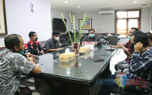 Bupati Tulungagung Maryoto Birowo saat menerima kedatangan PPLH Mangkubumi di Pendopo Kabupaten Tulungagung (Foto : Istimewa / Tulungagung TIMES)