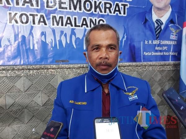 Sekretaris DPC Partai Demokrat Kota Malang saat ditemui awak media, Jumat (5/2/2021). (Foto: Tubagus Achmad/MalangTIMES)