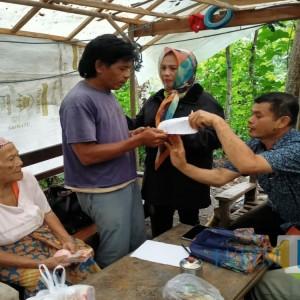 Relawan Jokowi Tulungagung dan Yayasan Akhlakul Karimah Hibahkan Tanah bagi Warga Miskin