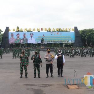 TNI dan Polri Apel Gelar Pasukan PPKM Mikro Jatim, Perkuat Pengaman Tingkat RT/RW