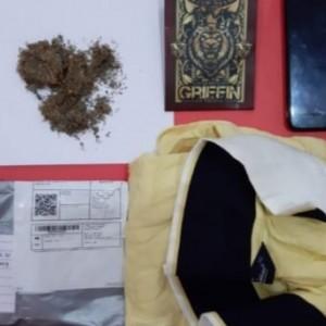 Pesan Tembakau Gorila Secara Online, Pemuda ini Diringkus Saat Ambil Paket