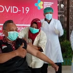 Vaksinasi Covid-19 Dosis 2 Mulai Diberikan, Masih Kurang 300 Vaksin