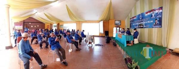 Proses saat kegiatan Musyawarah Daerah DPD PAN Kota Malang yang digelar di salah satu rumah makan yang ada di Kota Malang, Sabtu (13/2/2021). (Foto: Istimewa)
