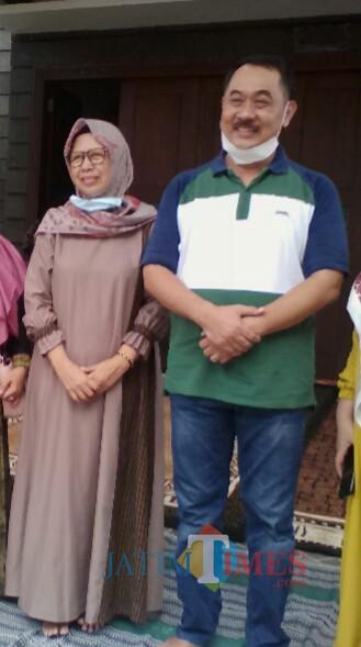 H Yusuf Widyatmoko, Wakil bupati Banyuwangi bersama istri (Nurhadi Banyuwangi Jatim Times)