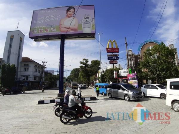 Jl Basuki Rahmat yang masuk kawasan Kayutangan Heritage. (Arifina Cahyanti Firdausi/MalangTIMES).