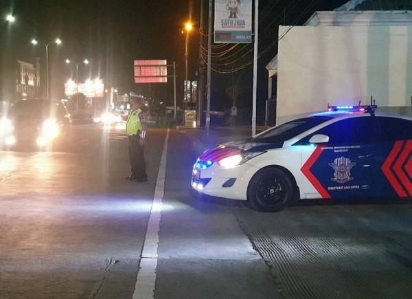 Personel blue light yang digunakan sebagai penangkal balap liar (Satlantas Polres Malang for MalangTIMES)