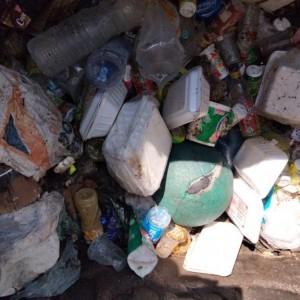 Temuan Sampah di Saluran Drainase Buat Petugas DPUPRPKP Kota Malang Geleng Kepala