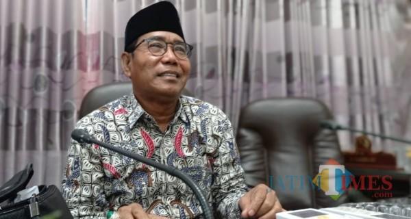 Ketua Komisi II DPRD Sumenep H. Moh Subaidi saat dikonfirmasi di ruang kerjanya (Foto: Ist/JatimTIMES)